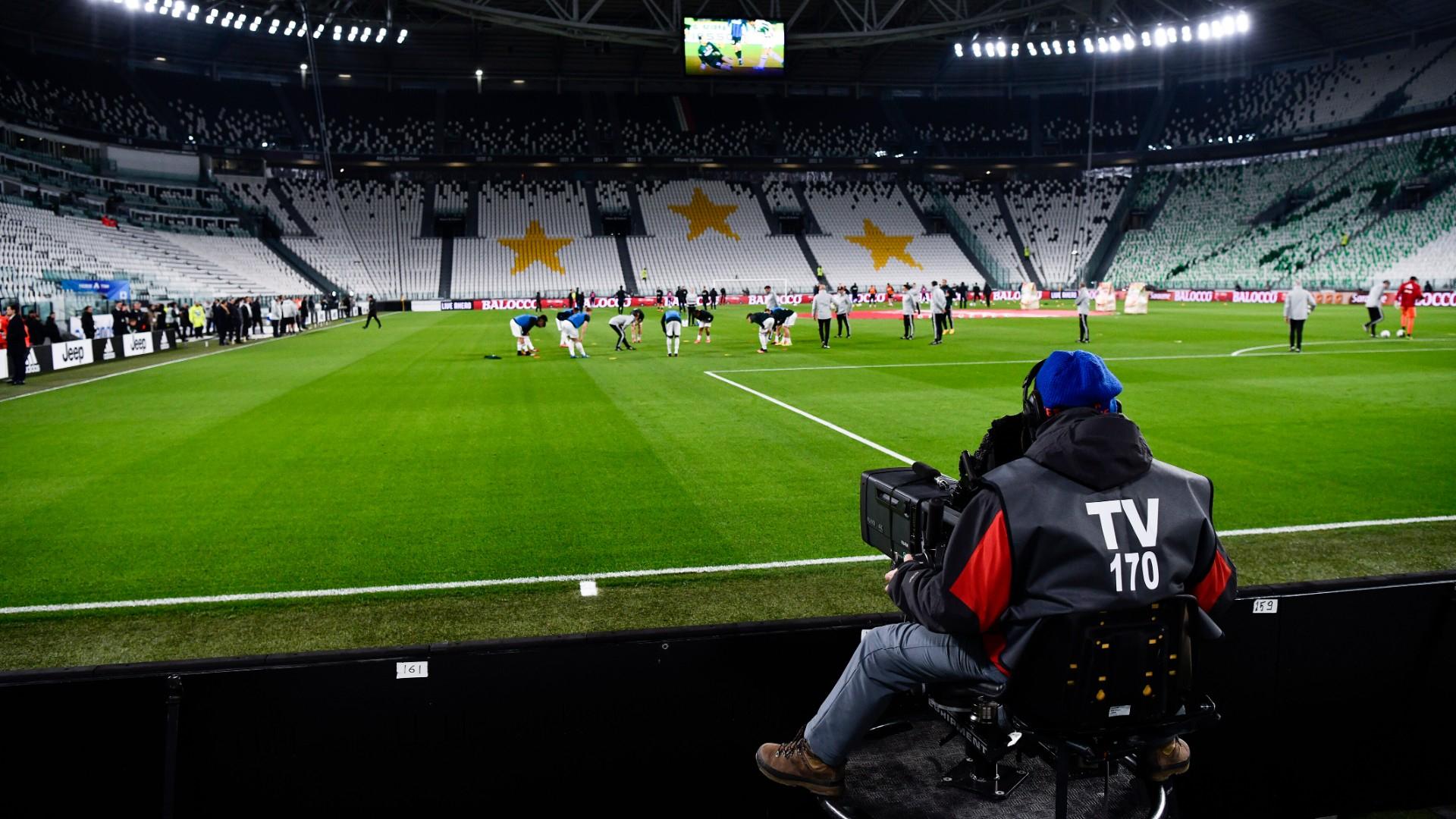 В Италия с бавни темпове ще отварят стадионитe от 8 октомври 1