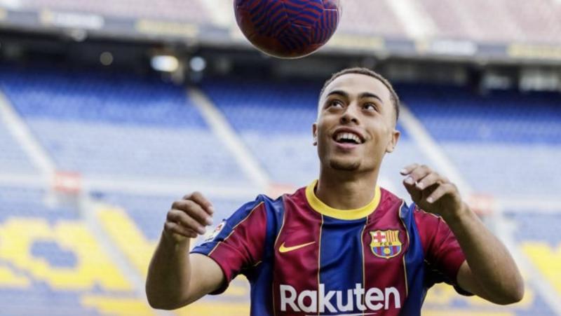 Официално: Сержиньо Дест е играч на Барселона 1