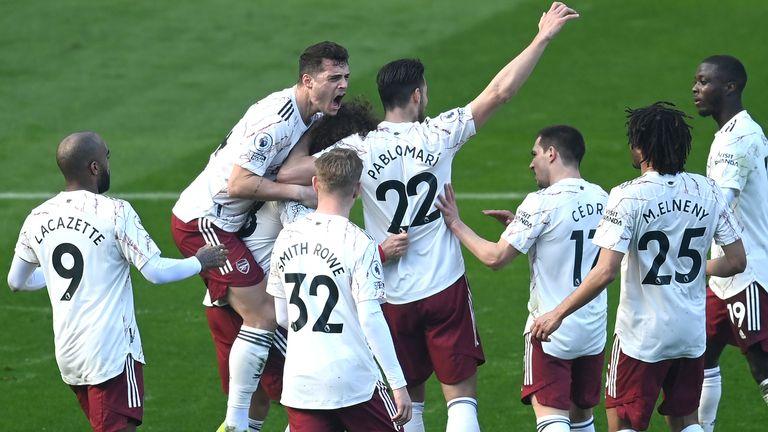 Солиден Арсенал направи обрат срещу Лестър и се доближи до Топ 6 20