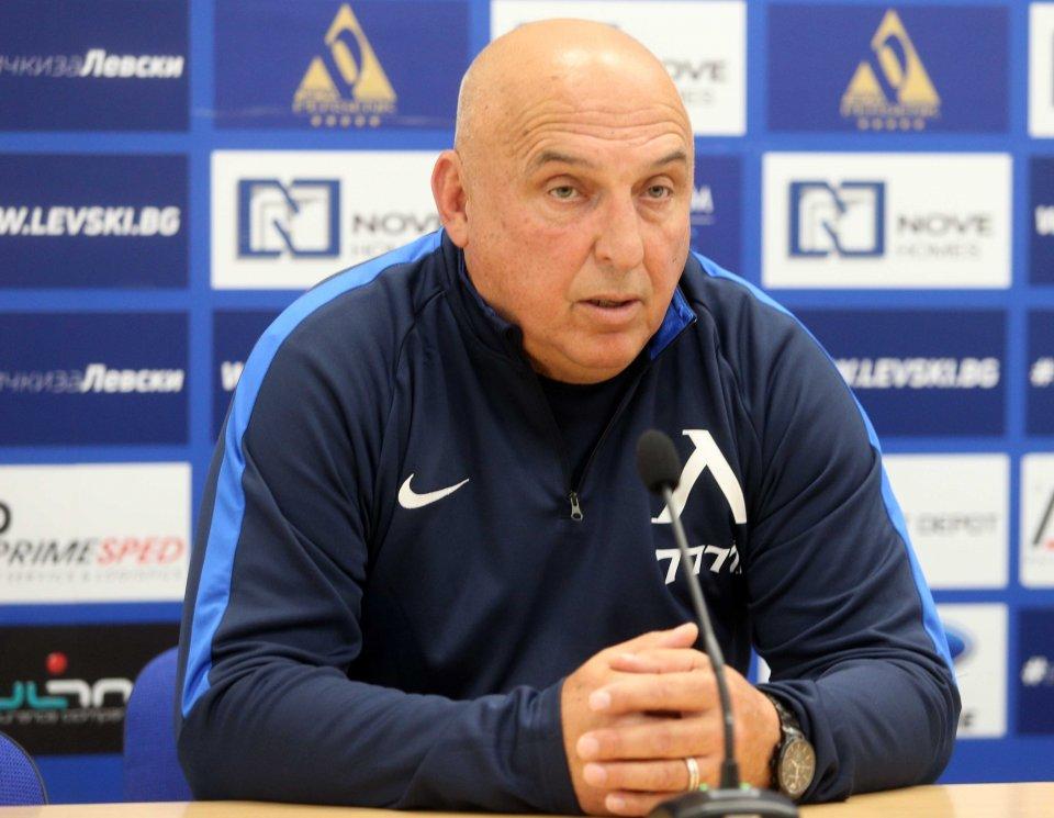 Георги Тодоров ще продължи да води отбора на Левски 1