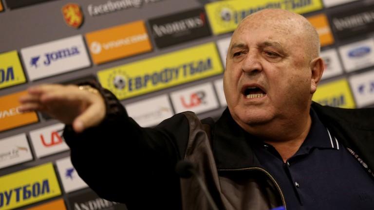 Стефанов се надява Тарханов да е на пейката след паузата 1