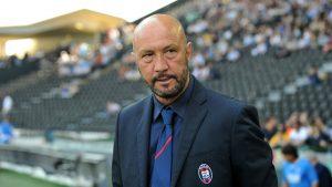 Десподов остана без треньор, легендарен вратар напусна Каляри
