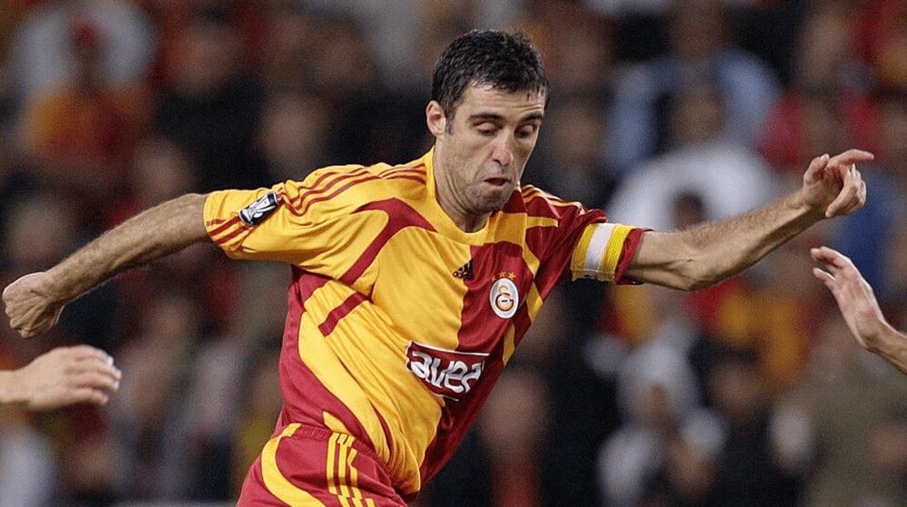 Турската футболна легенда Шукур стана таксиметров шофьор в UBER