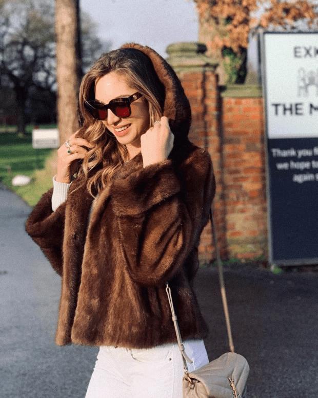 Манчестър Сити купонясват с 22 моделки, без половинките си СНИМКИ 11